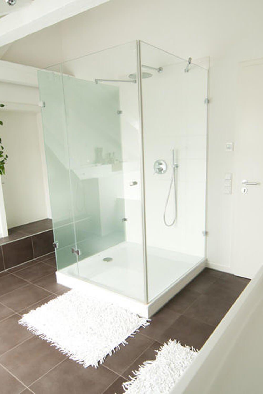 U-Form Duschkabine mit drei Festteilen und einer Tür