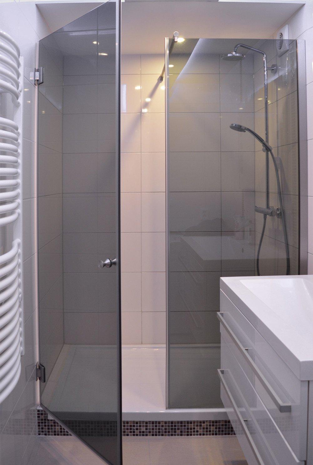 Nischendusche auf Duschtasse mit Festteil und Tür 2