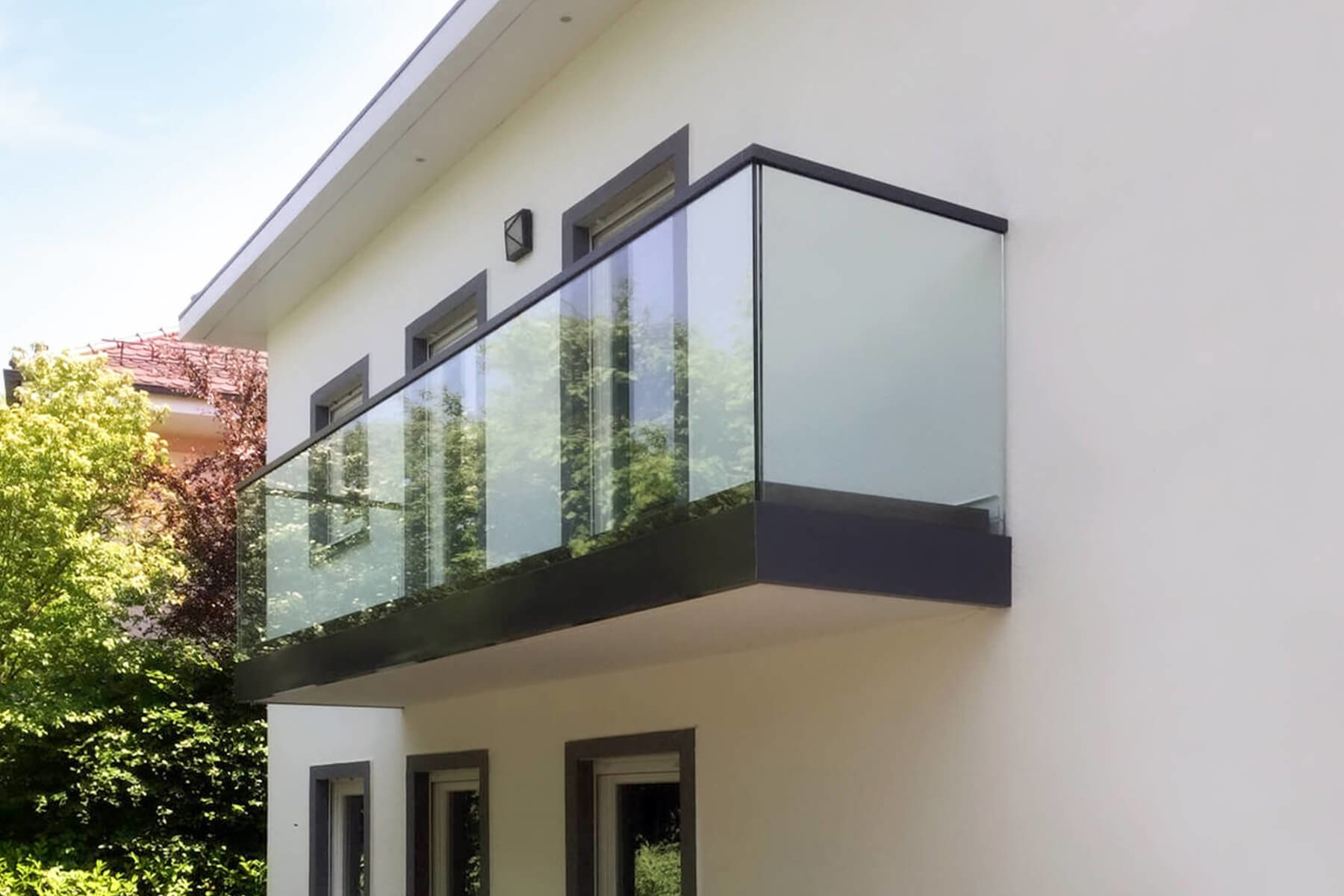 Gelaender aus Glas individuell nach Maß ideal fuer die Dachterasse oder Balkin