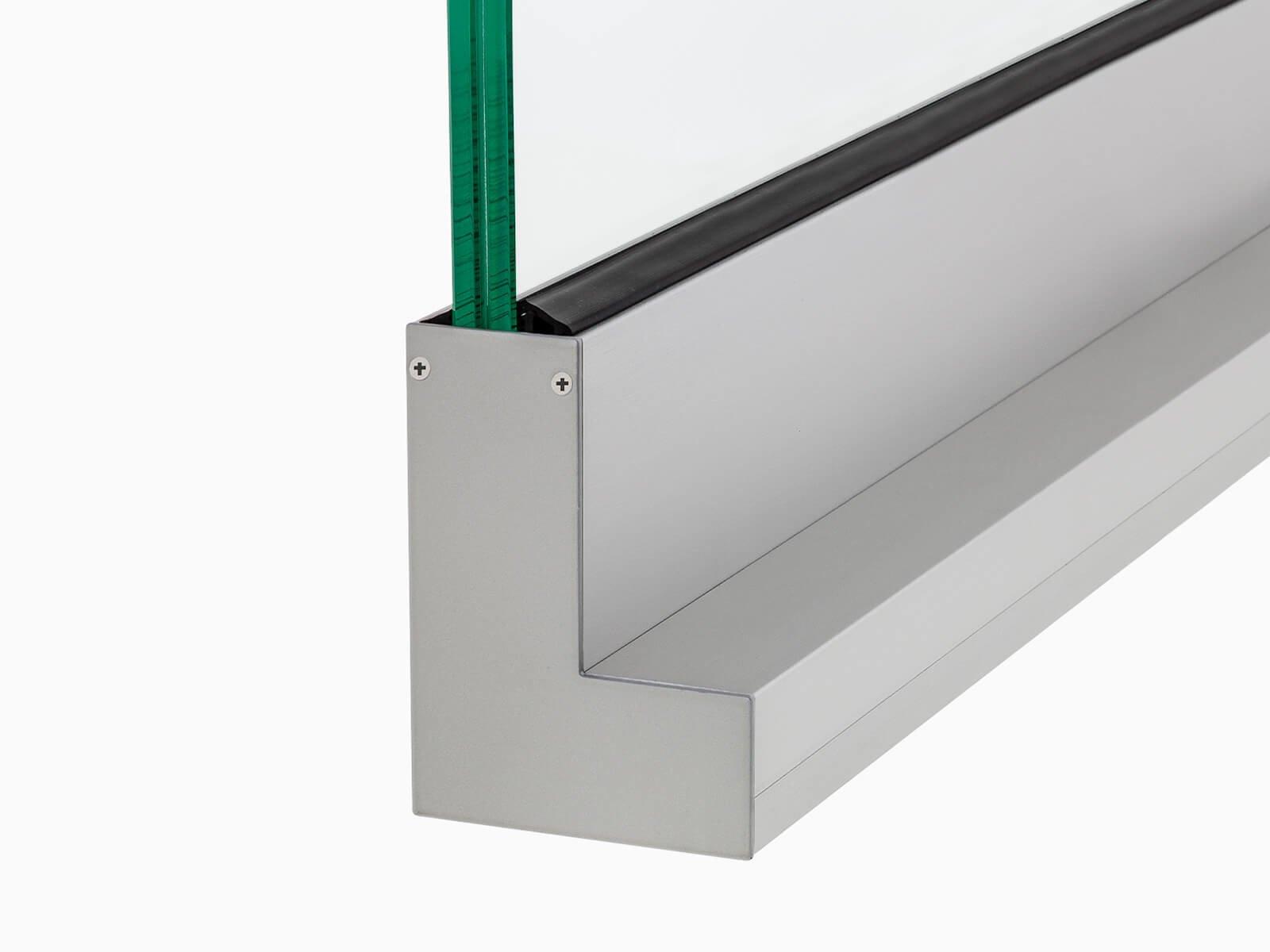 Glashalterung Brüstung DELGADO mit Endkappe aus hochwertigem Edelstahl