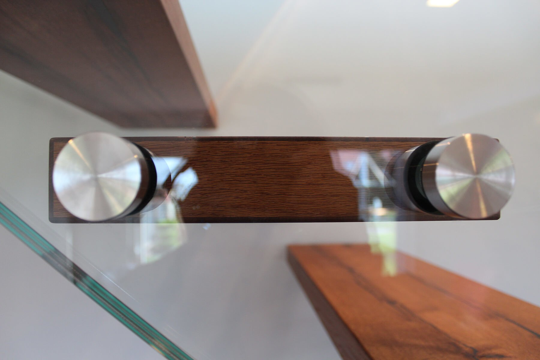 Glasgelaender Solo mit Punkthaltern aus Edelstahl