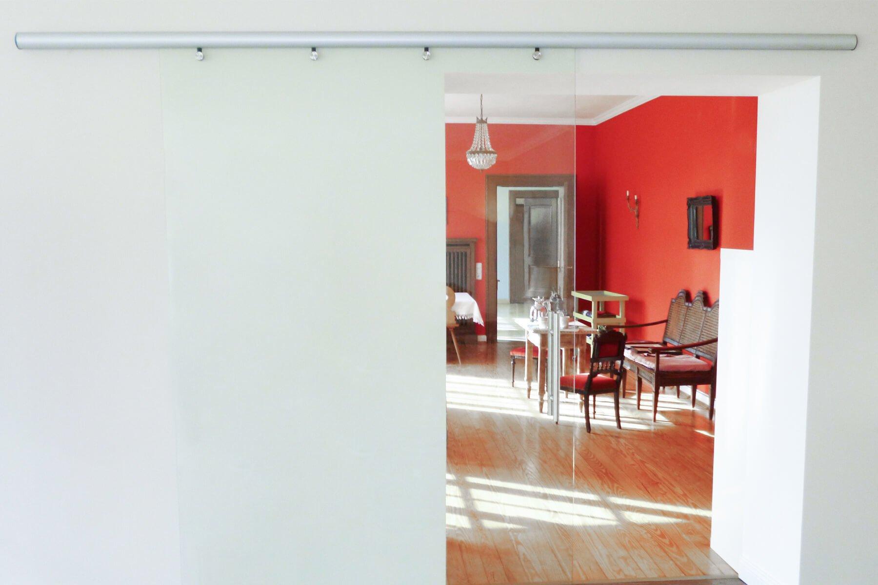 Wandmontage Schiebetür aus Glas
