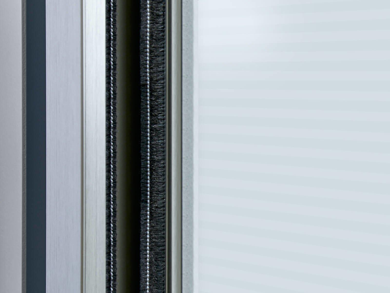 Glasschiebetür Piano mit zusätzlichem Einlaufprofil