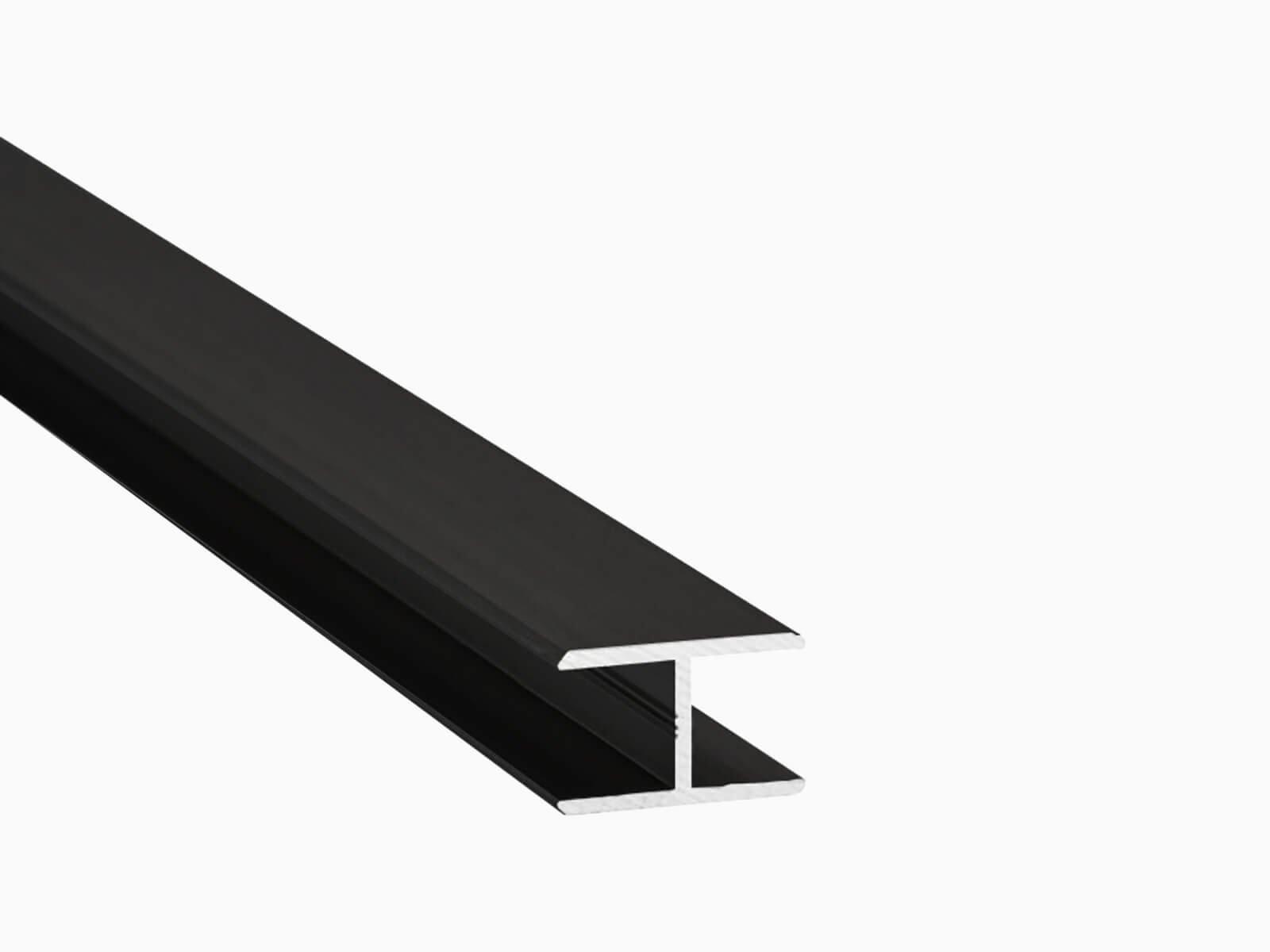 ECO Aluprofil für Glastrennwand im Industrie Look