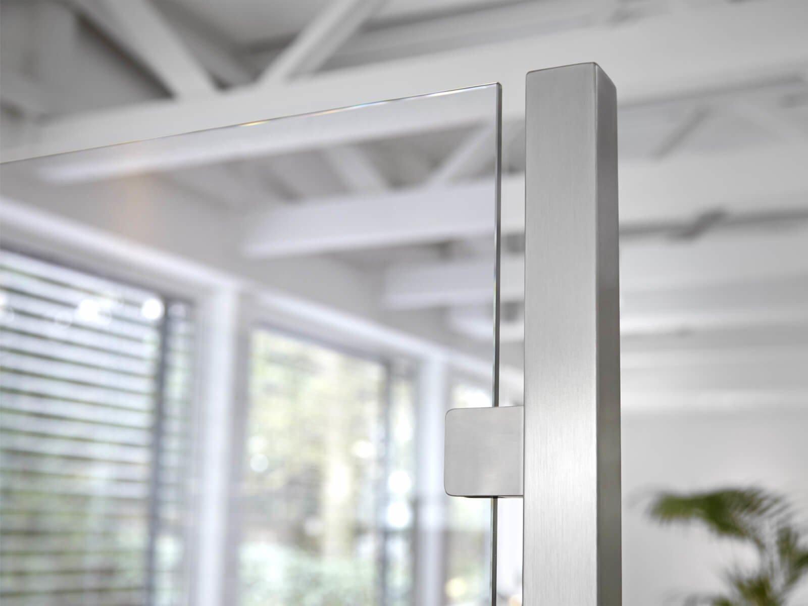 Glastrennwand mit Klarglas
