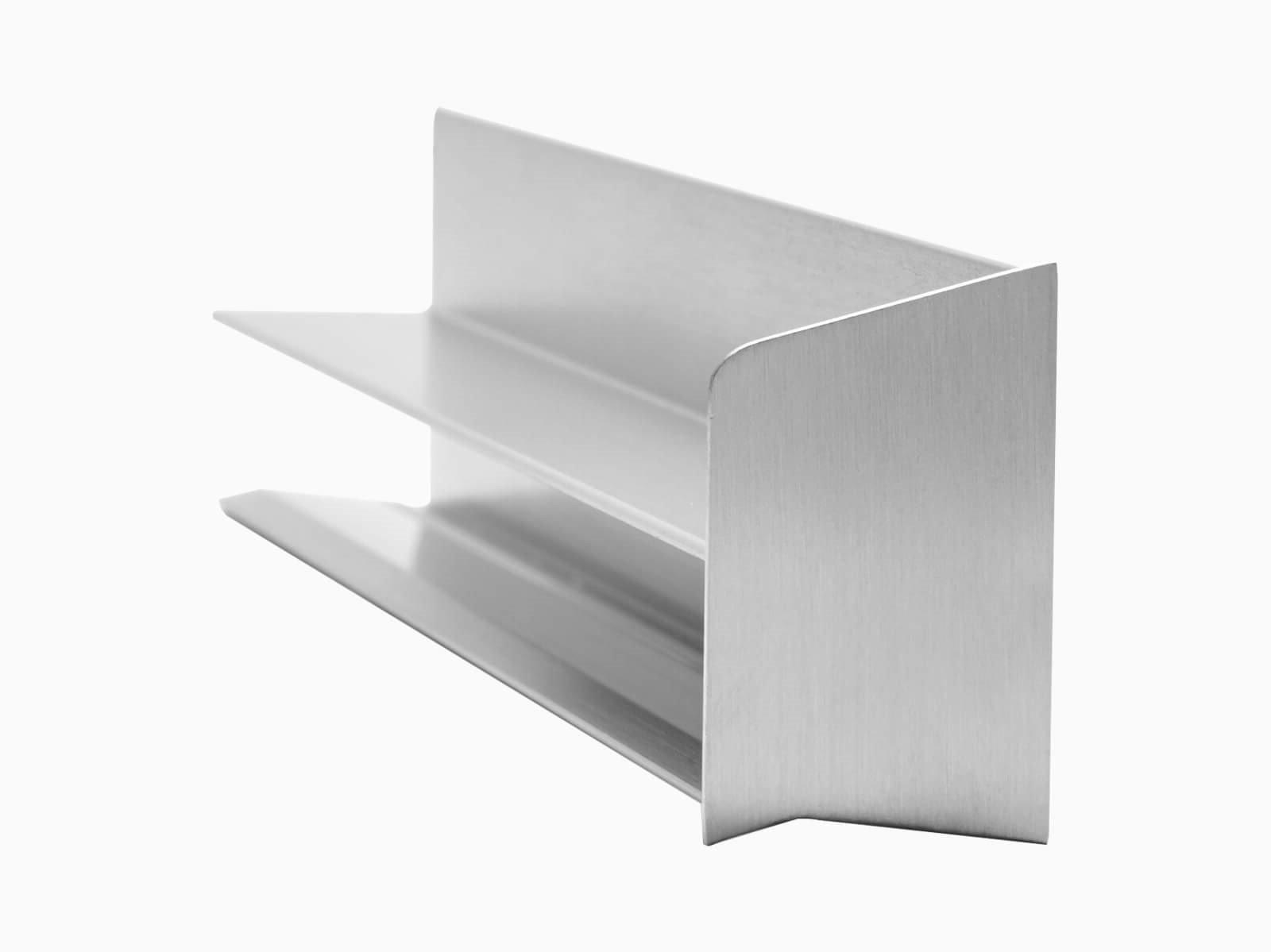 Bündige Rinne für freitragendes Vordach mit Seitenkappe