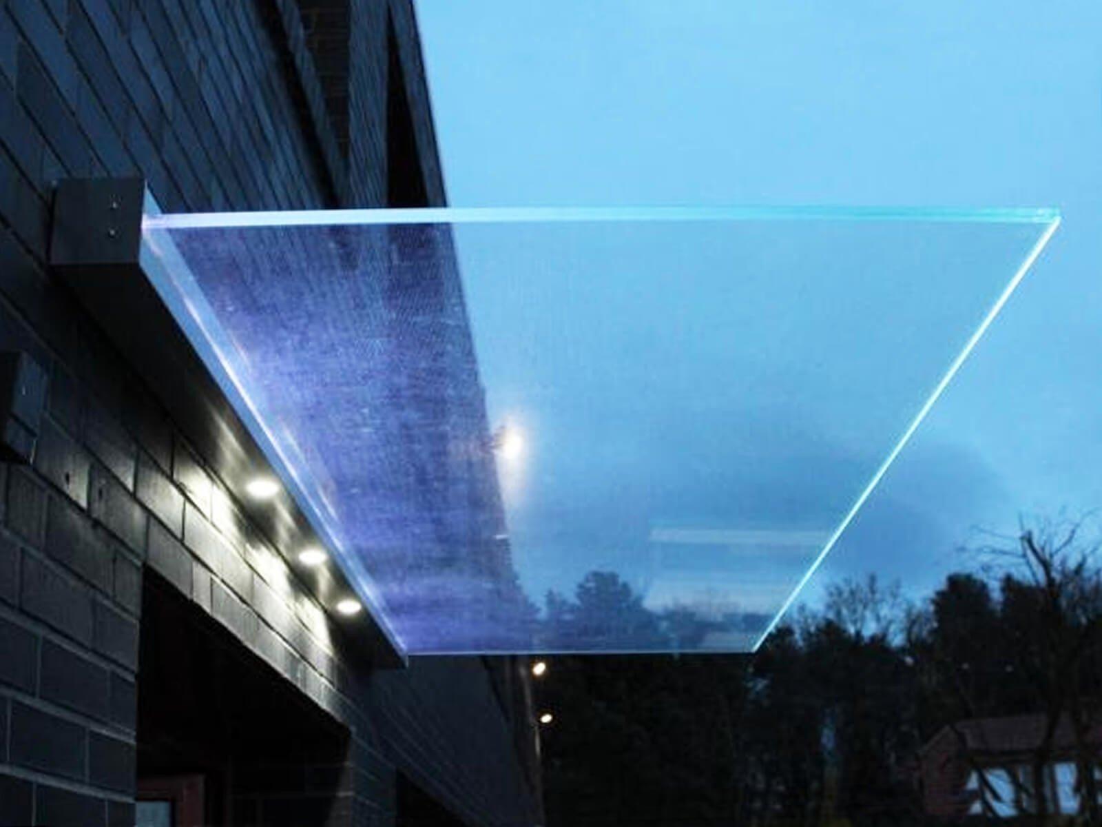 Haustür Vordach mit Beleuchtung mit Gluminat