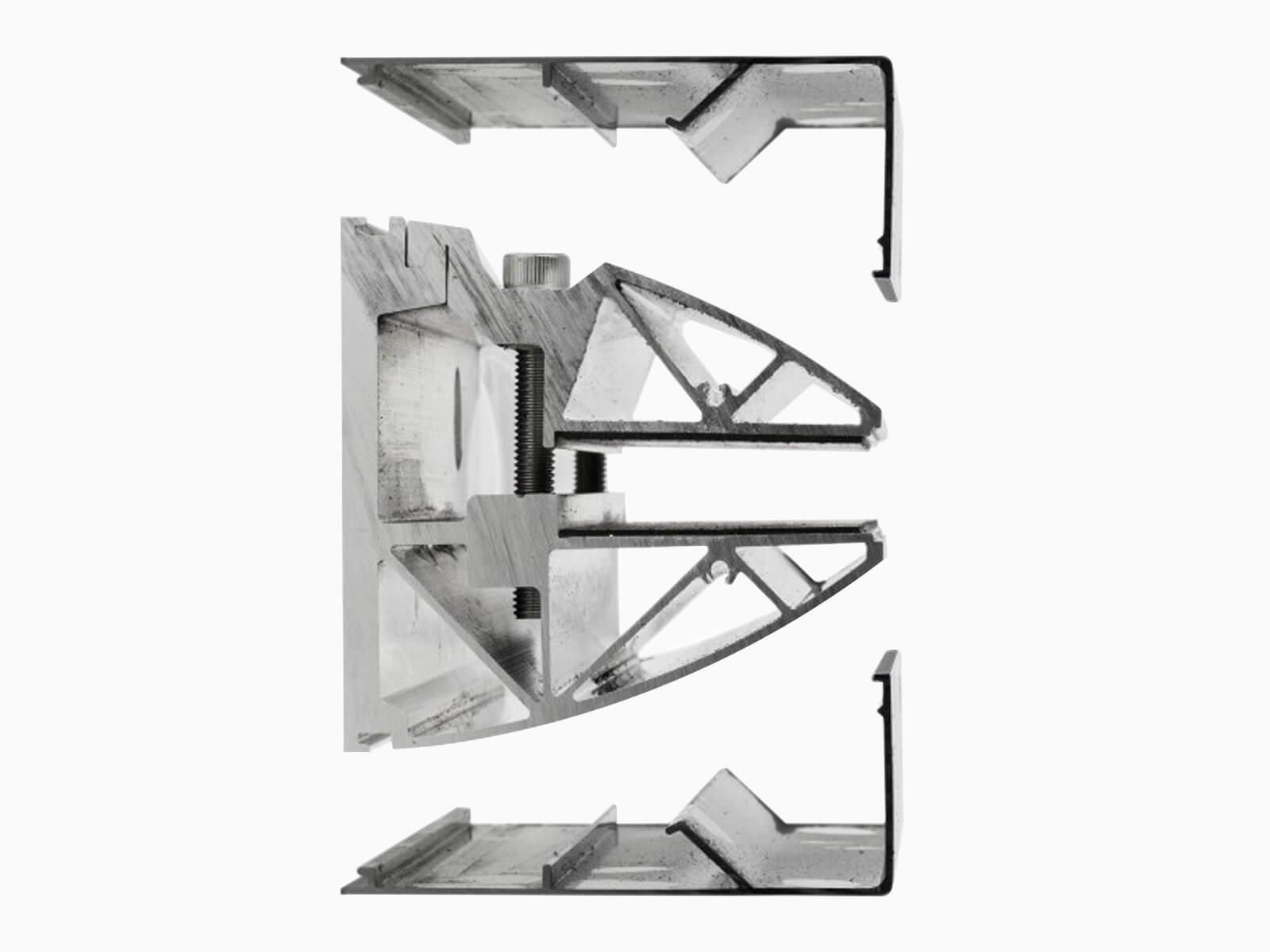 glas-vordach-mit-seitenteil-klemmprofil-und-blenden