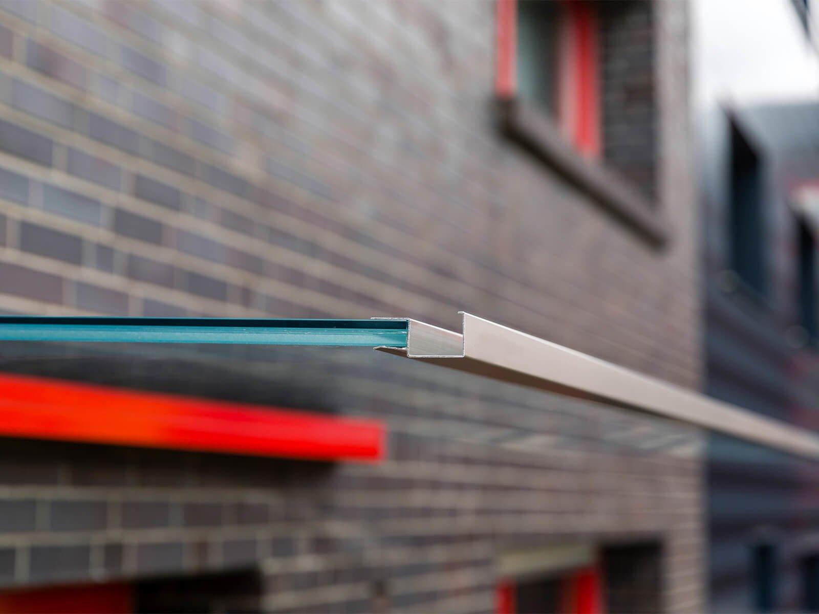 Rinne für Glasvordächer mit Seitenteil