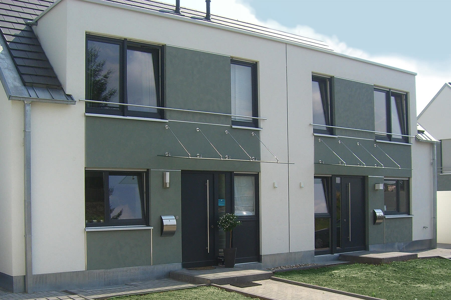 Hochwertige günstige Vordächer aus Glas