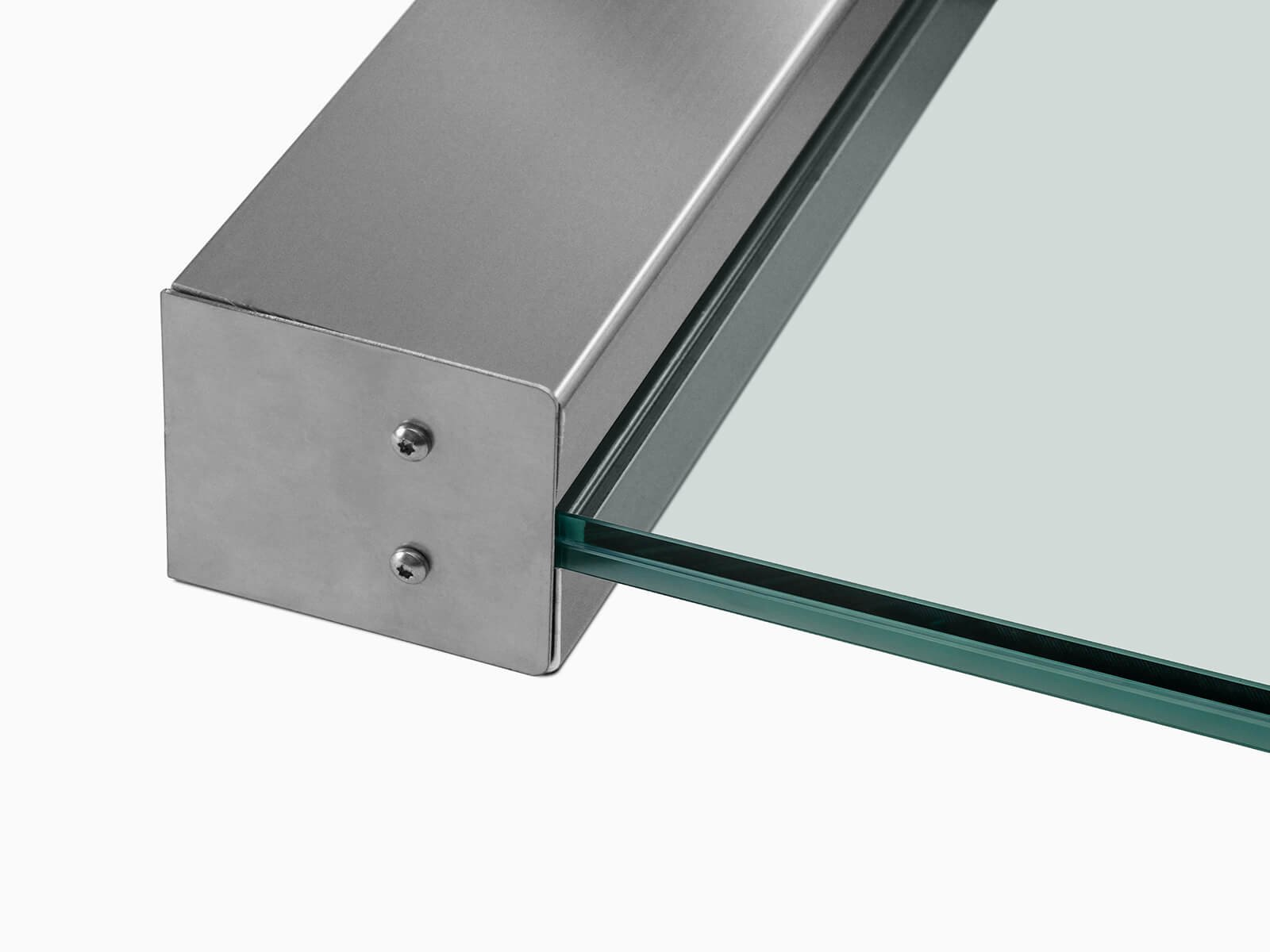 Individuelle Glas und Schrägschnitte beim Seitenwindschutz Blend