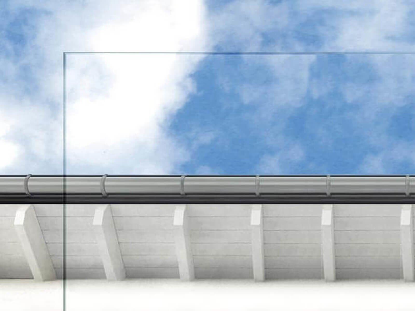 Weißglas Vordach mit Balken