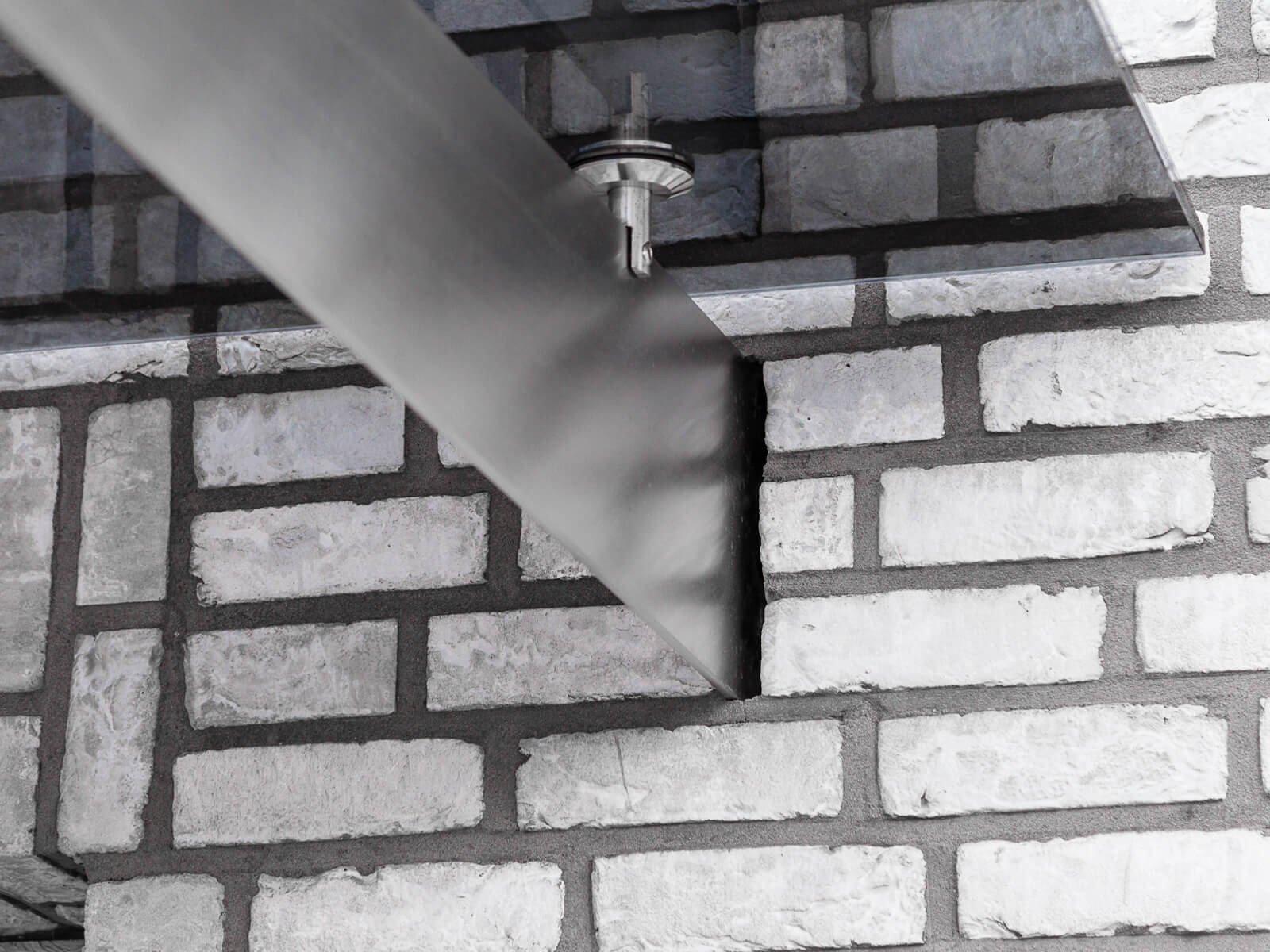 Vordach in Fassade eingelassen