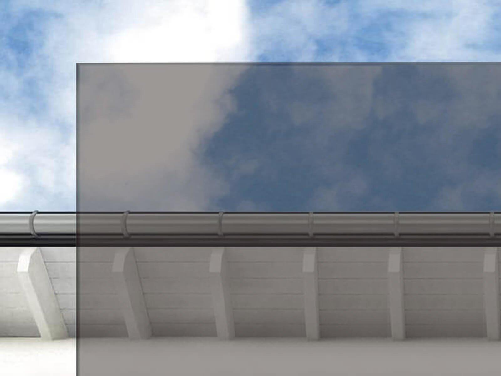 Graues Glas für Vordach mit Rohrträgern