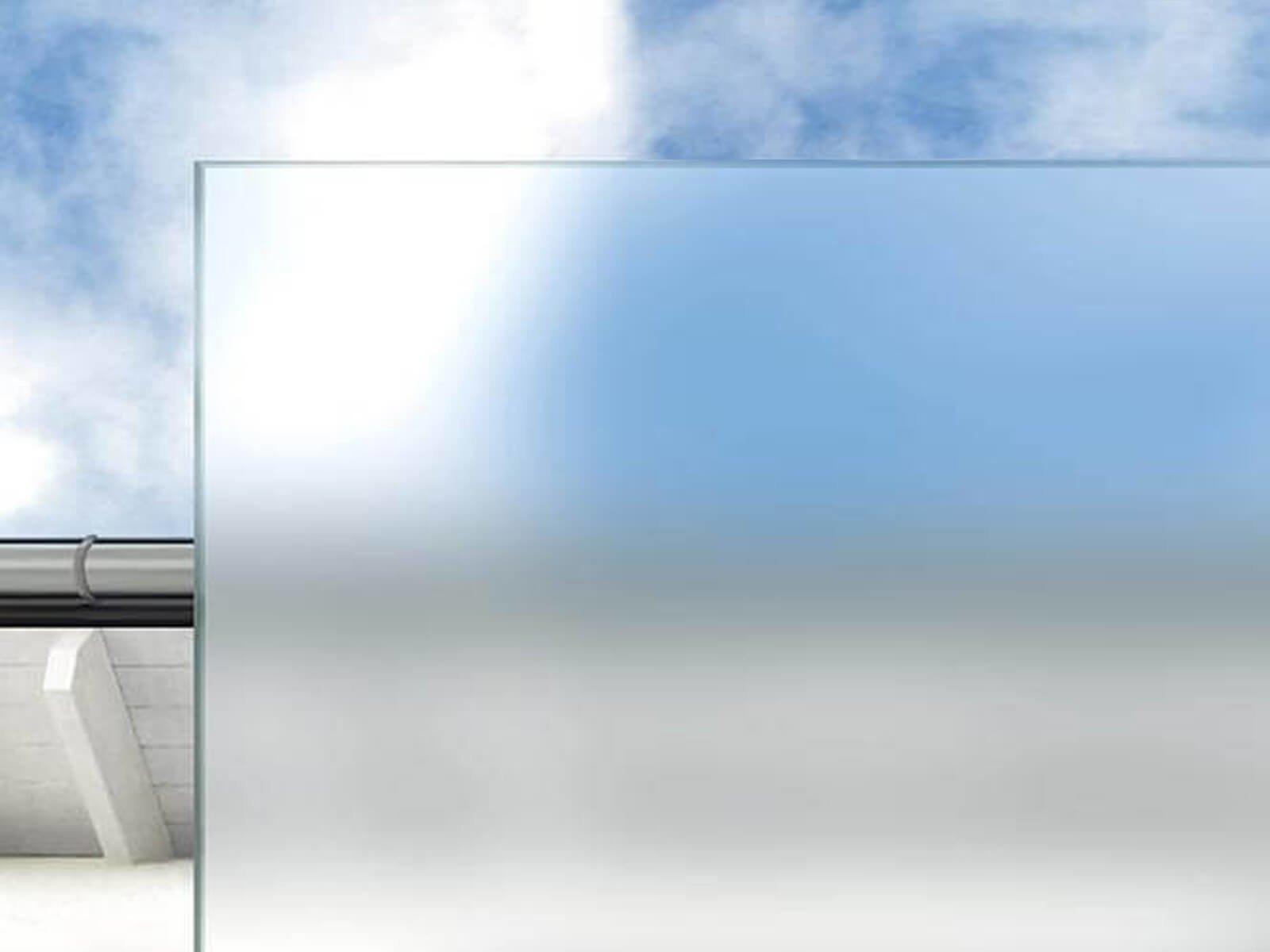 Satiniertes Weißglas für Vordach mit Rohrträgern