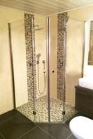 Fünfeck Duschkabine mit vier Elementen
