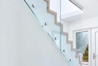 Glasgelaender SOLO vereint modernes Design und Sicherheit in einem