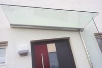 Seitenwindschutz Blend aus Glas kompatibel mit Vordächern