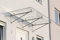vordach-ueber-haustuer-mit-drei-haltern-weißglas