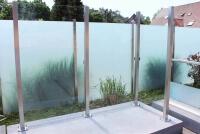 Wind- und Sichtschutz Devitro harmonisches Gesamtbild durch hinten liegende Glasklemmen