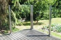 Windschutz ohne Sichteinschränkung aus Glas cleane Optik für Garten und Terrasse
