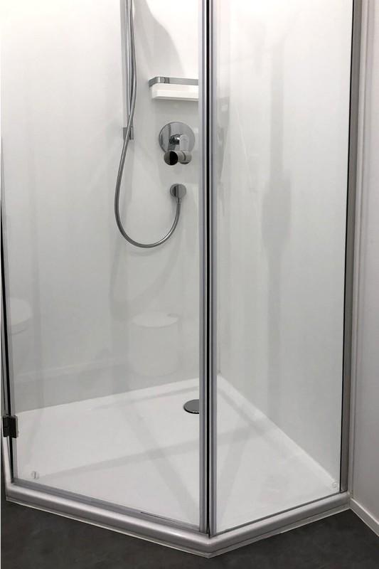 Fünfeck Duschkabine mit Kunststoffdichtungen