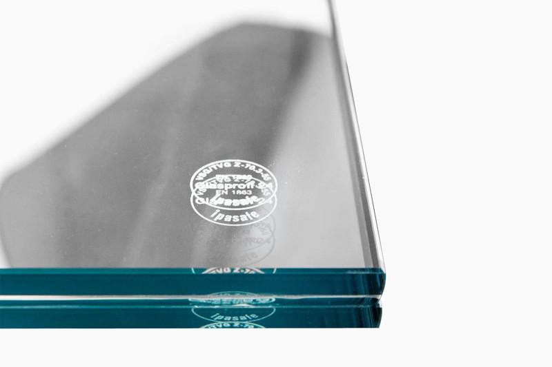 glas-vordach-freitragend