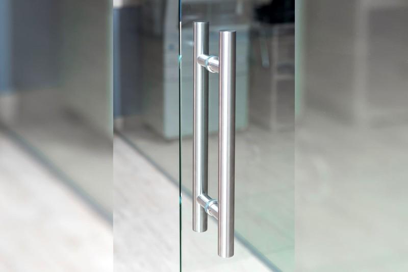 griffstangen-an-glasschiebetür