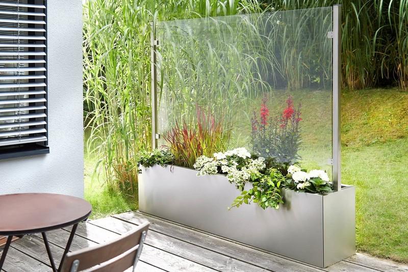 pflanzkasten-mit-sichtschutz