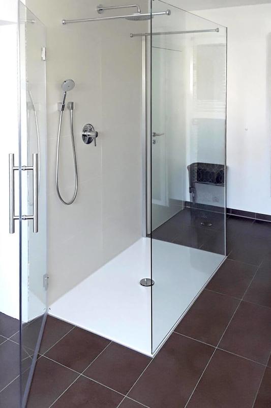 U-Dusche mit Seiteneinstieg