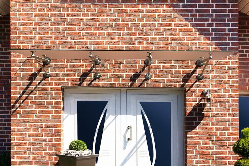 vordach-trave-mit-4-rohr-befestigungstraegern