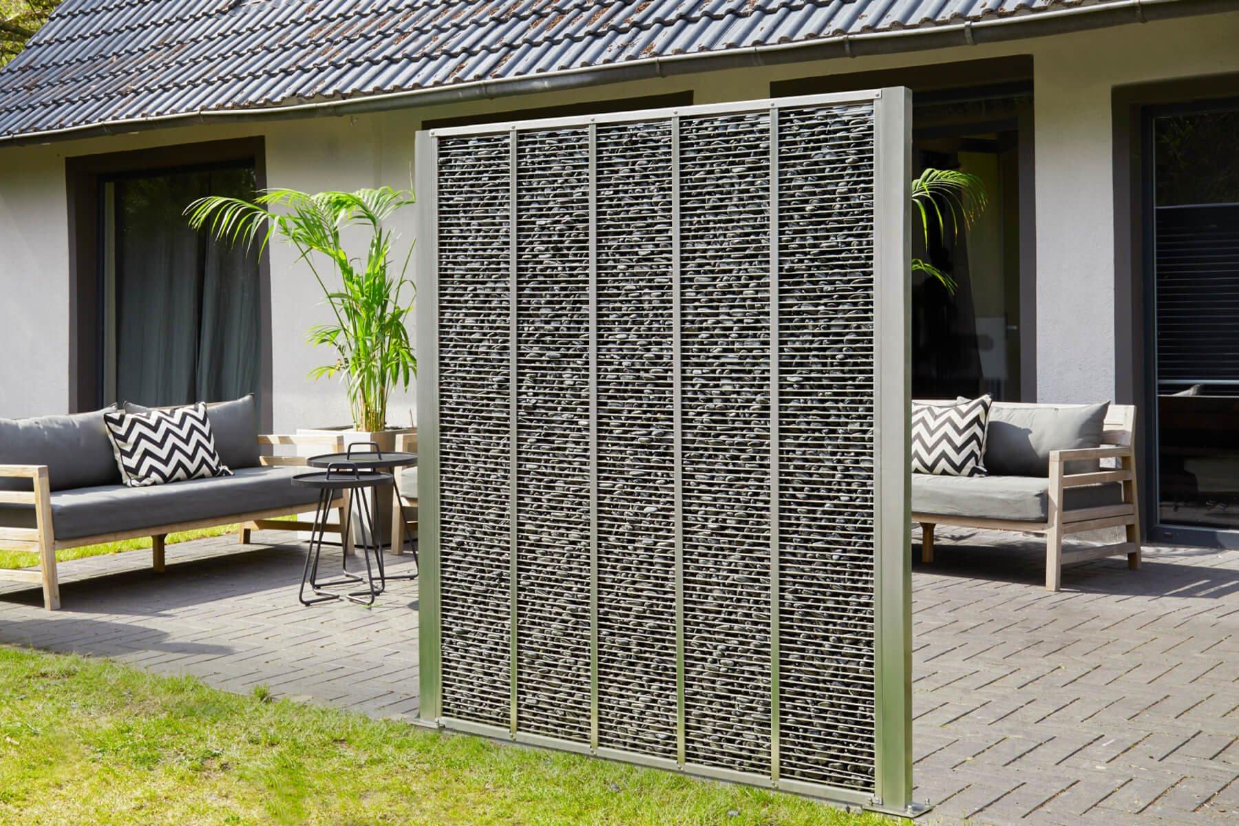 Gabione Genta als dekoratives Einzelelement ist ein moderner Hingucker für jeden Garten und Terrasse und sorgt euer Wind-, Sicht- und Lärmschutz