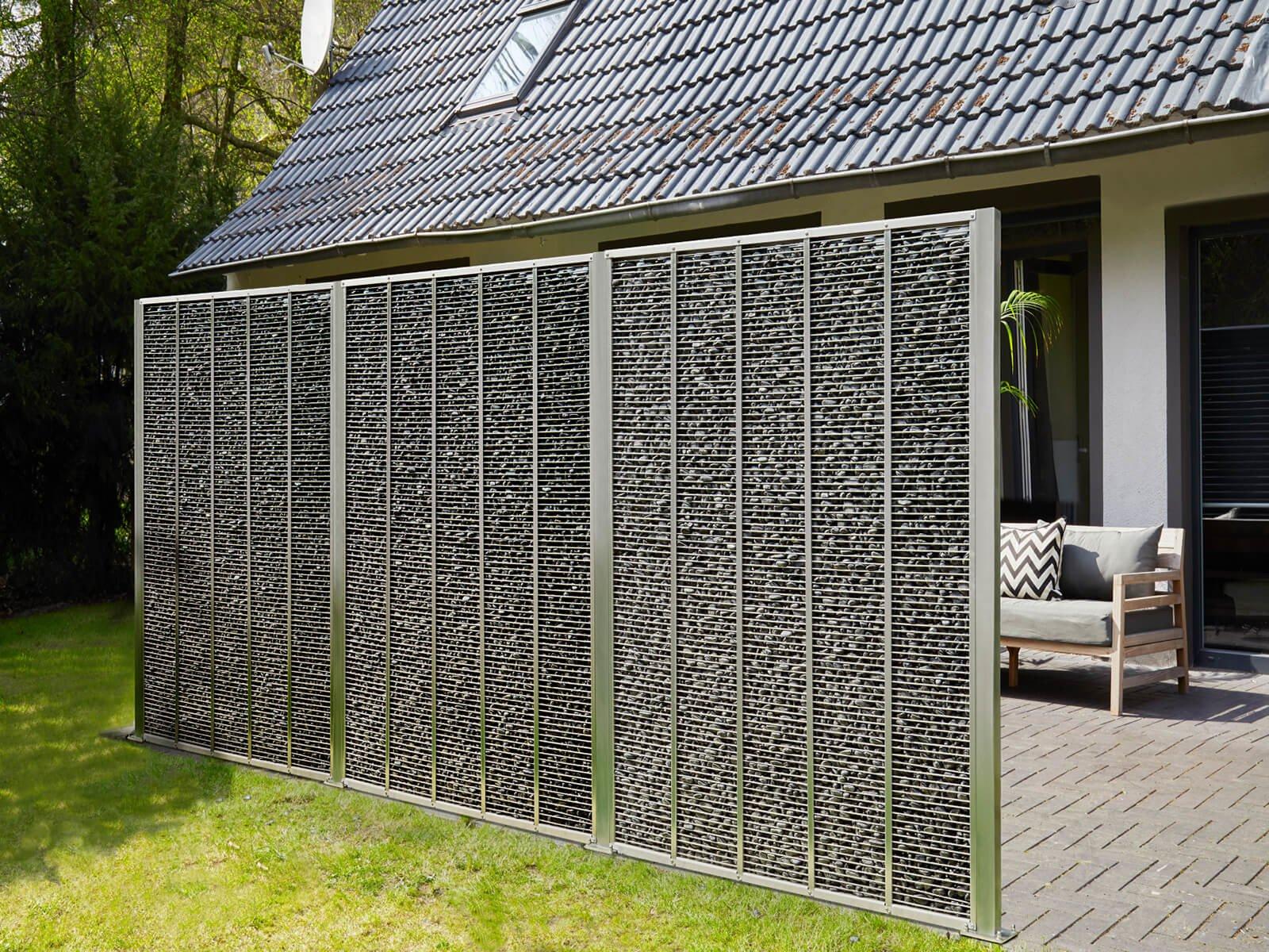 Gabione mit Steinen als Wind-, Sicht- und Lärmschutz im eleganten und schmalen Design ideal für Garten und Terrasse