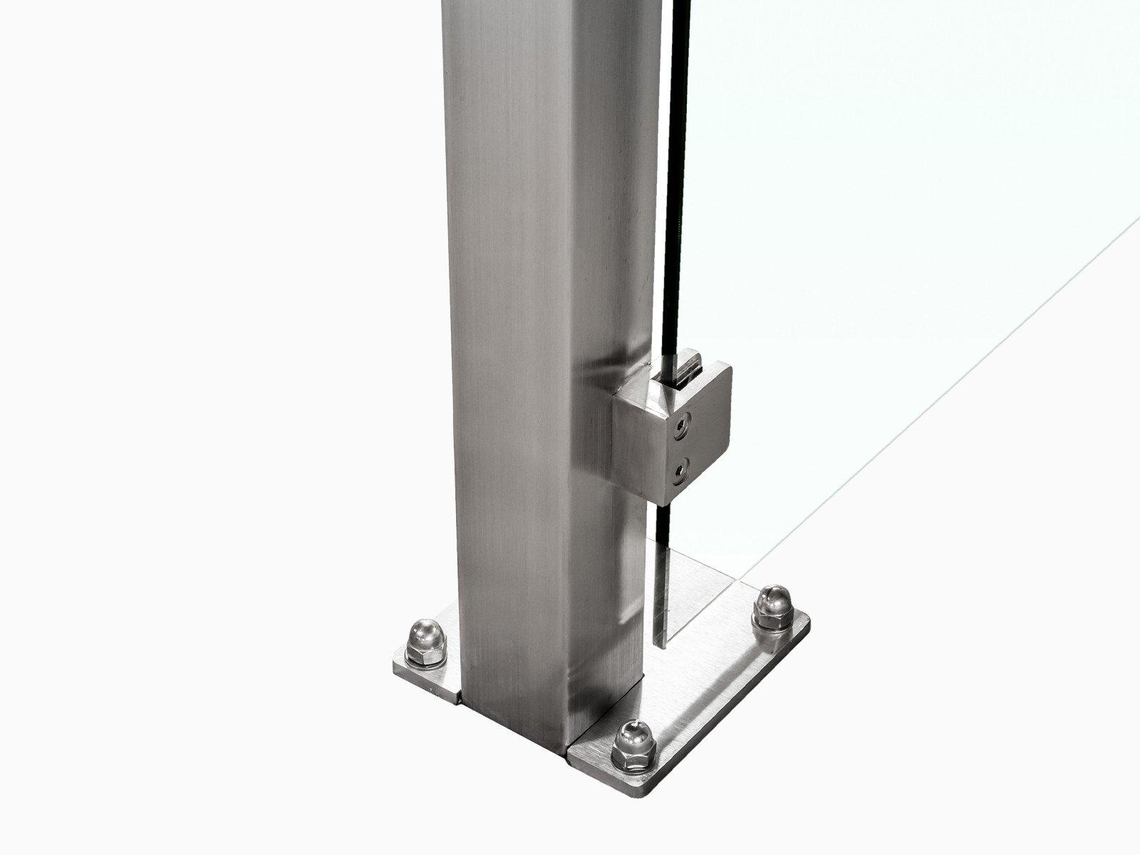 Bodenbefestigung Pfostensystem Devitro verschraubt oder einbetoniert mit eckigen Glashaltern