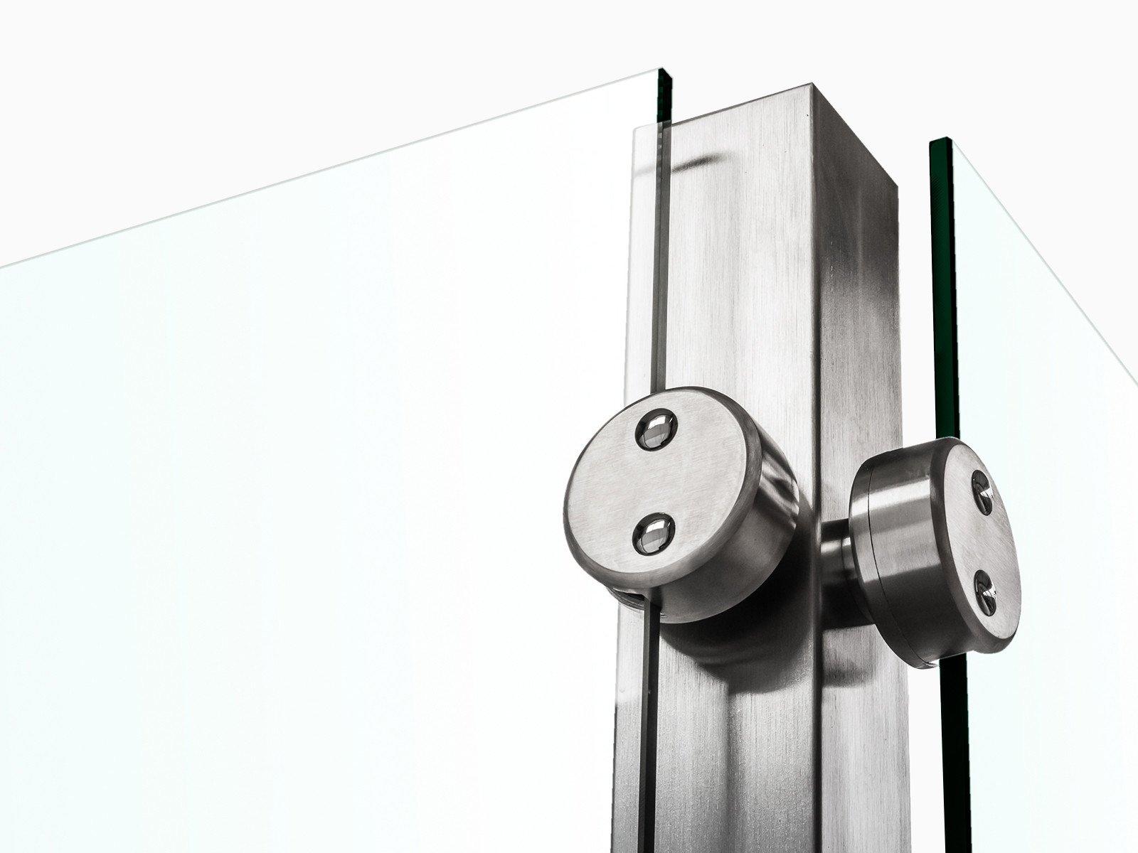 Pfostensystem Devitro mit Rückseitig befestigten Glasklemmen im runden Design