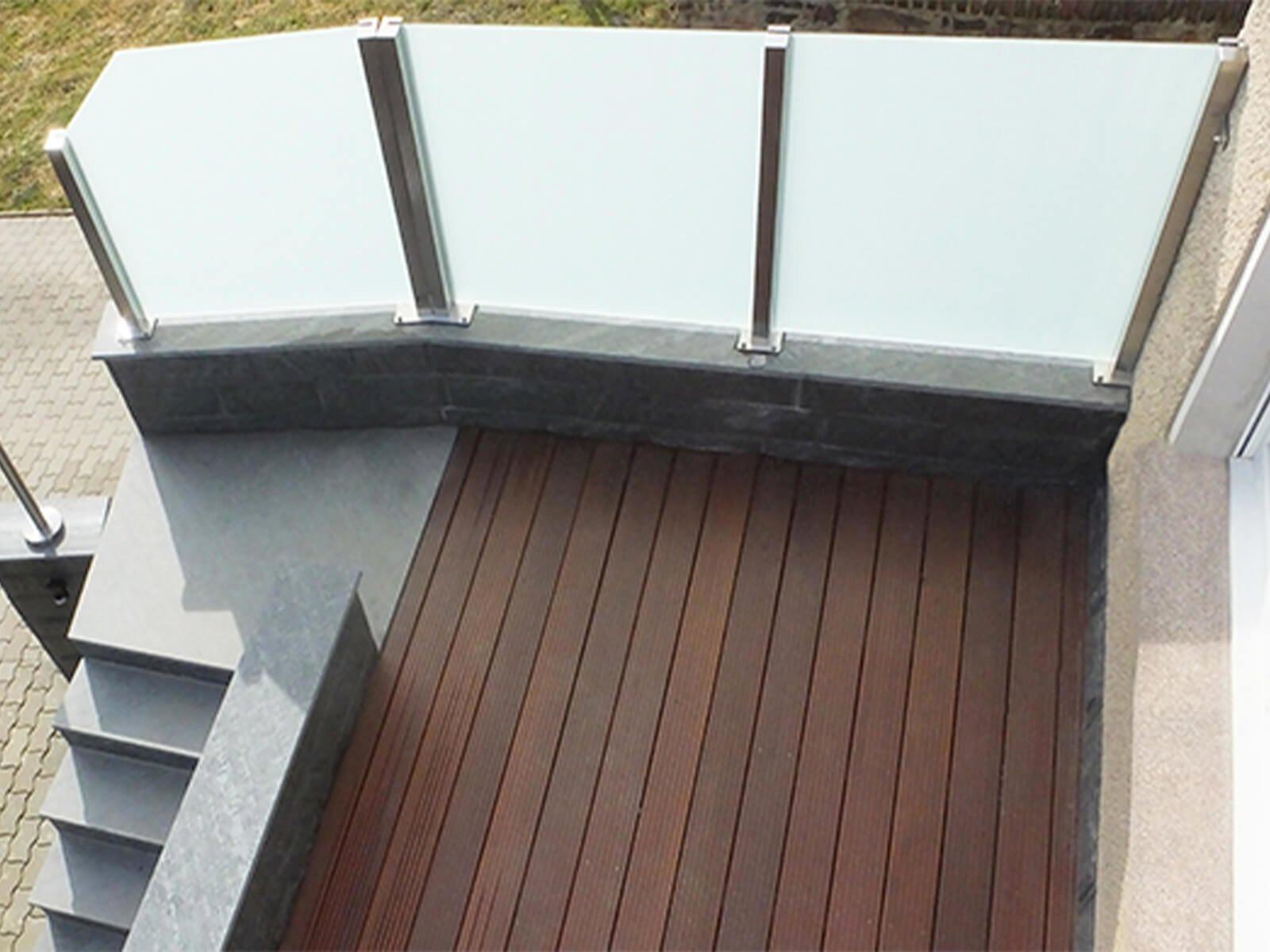 Glaszaun Wind- und Sichtschutz optima für jeden Aussenbereich