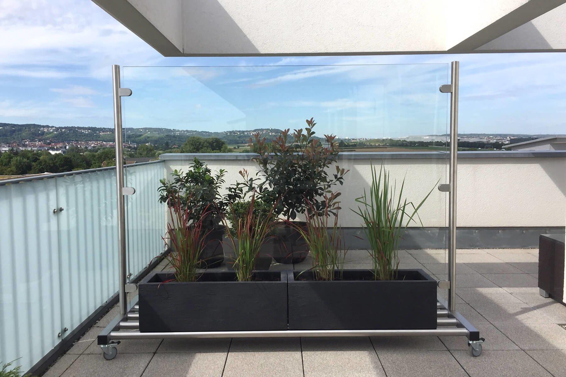 Windschutz rollba auf Rollen ideal für Garten Terrasse oder Balkon mit Ablagefläche