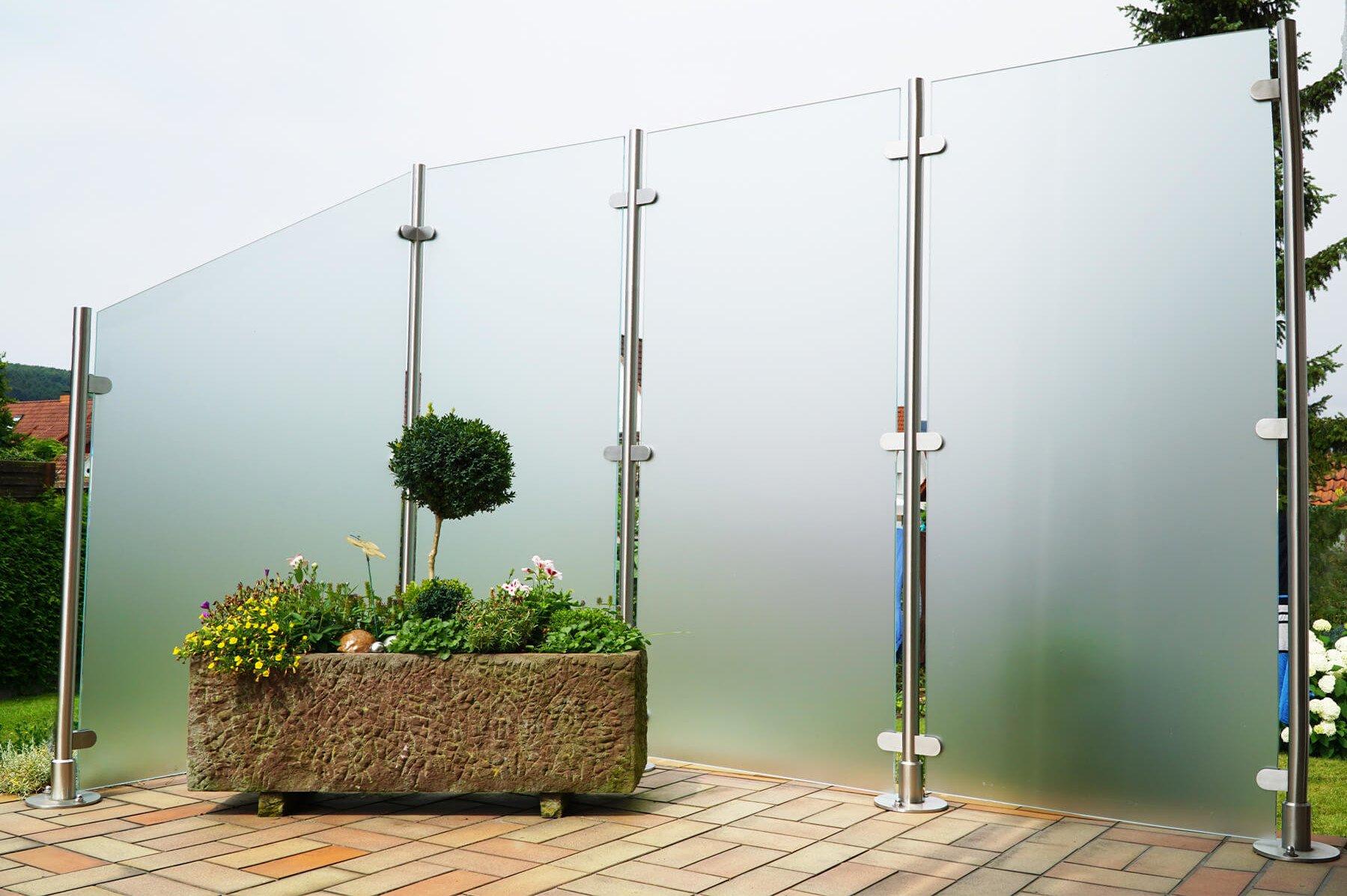 glaszaun-transvent-flexible-gestaltungsmoeglichkeiten- fuer-garten-terrasse-und-balkon